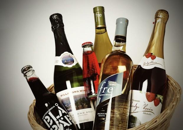 Alkoholfria drycker och drycker med små mängder alkohol kan trigga återfall Foto: Scanpix/Nina Varumo