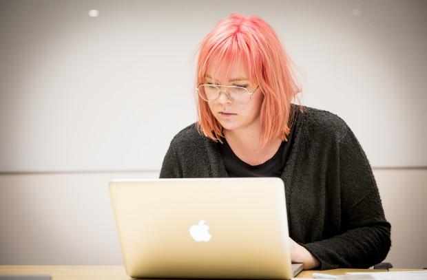 Nathalie Carlryd upptäcker att hennes pensionsfonder investeras i alkoholföretag. Foto: Nathalie C. Andersson