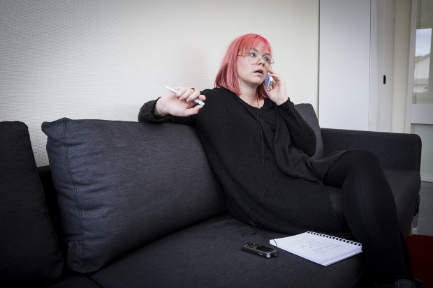 Nathalie Carlryd ringer till Pensionsmyndigheten. Foto: Nathalie C. Andersson