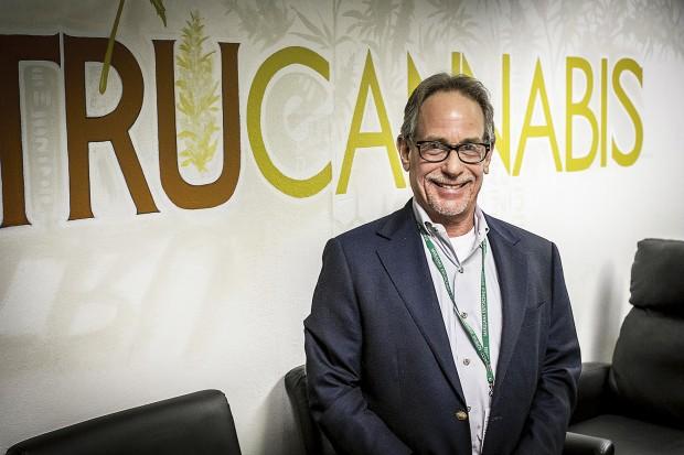 Bruce Nassau, ägare till TruCannabis. Foto: Pierre Andersson