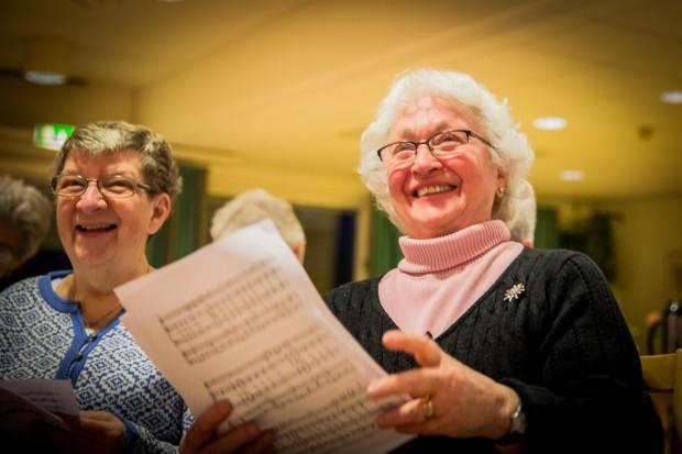 Anita Johansson och Chris Forsbring kan inte tänka sig att sluta sjunga. Foto: Nathalie C. Andersson