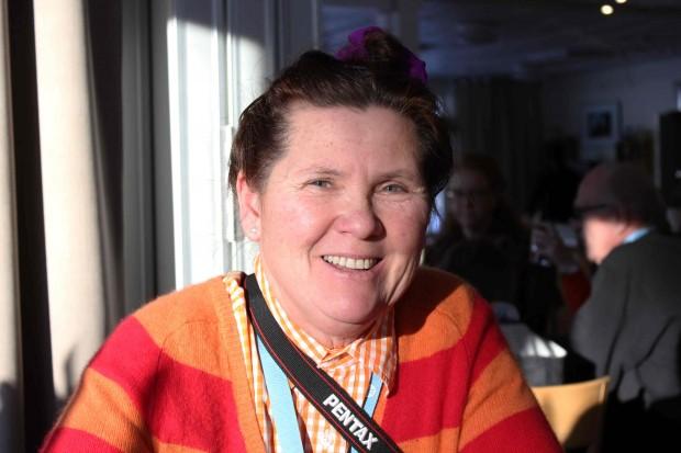 Cecilia Carlén, från Visby lärde känna andra gotländska medlemmar på resan till Tollare folkhögskola. Foto: Eva Ekeroth.