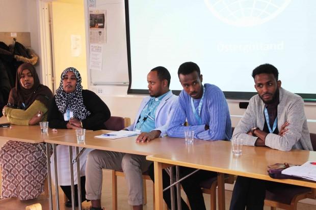 Fatma Abukar, Lul Musse, Abdurahman Hussein Hassan, Yassin Ahmed och Abdi Ahmed Ali delar med sig av sina erfarenheter. Foto: Eva Ekeroth.